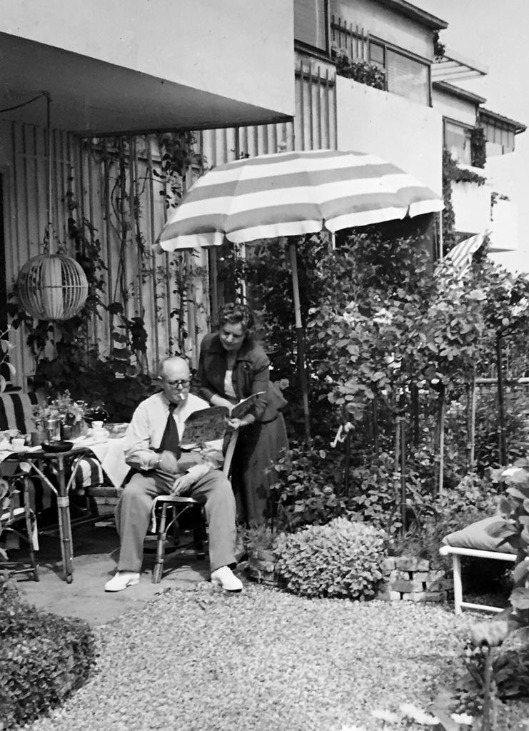 Kay Bojesen i haven